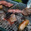 フレンチbbqで肉を焼く