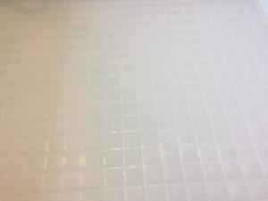 掃除前のお風呂の床