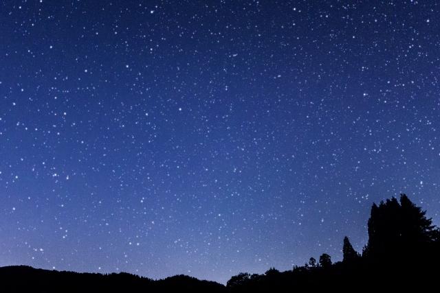 夜空の星の画像