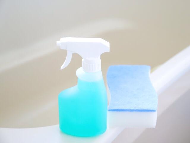 お風呂の掃除グッズ